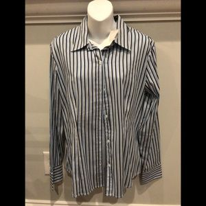 New York & Co Button down Size Large-NWT
